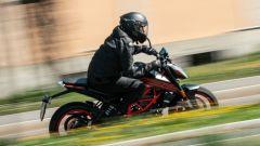 KTM 125 Duke 2021: prova dell'Euro5. Come va, pregi, difetti