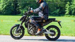 KTM 125 Duke: le foto spia ritraggono con buona probabilità il modello 2022