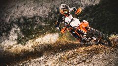 KTM 125 SX 2021 in azione