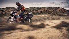 KTM 1290 Super Adventure R 2021 ha sospensiomi WP completamente regolabili