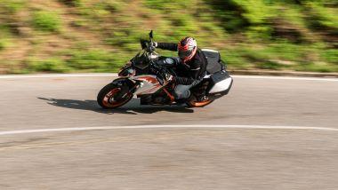 KTM 1290 Super Duke GT: le sospensioni semi-attive anche sulla R 2022?
