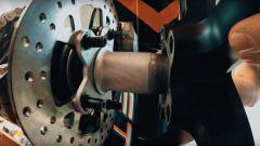 Ktm 1290 Super Duke R 2020: dettaglio lavorazione estratto dal primo video teaser