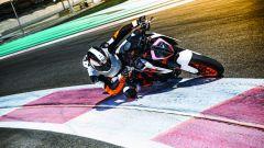 KTM 1290 Super Duke R: c'è anche la possibilità di avere il Track Pack, specifico per la pista