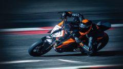 KTM 1290 Super Duke R in azione in pista
