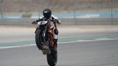 KTM 1290 Super Duke R: le rizze sono sempre goduriose