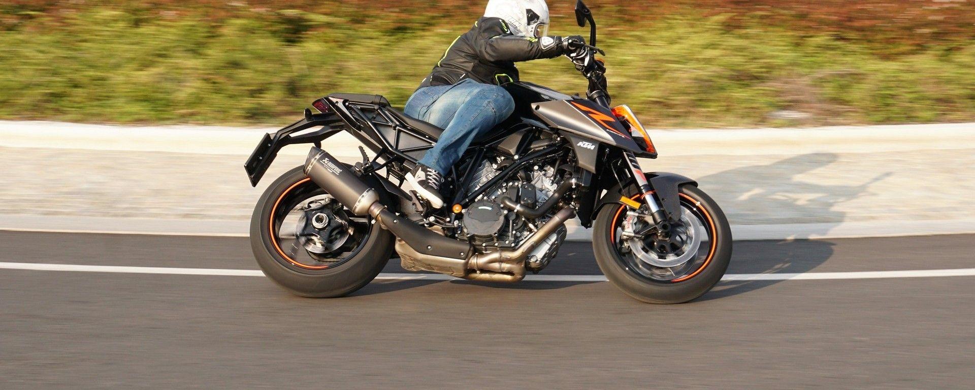 KTM 1290 Super Duke R: bestia indomabile o docile naked?