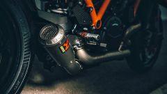 KTM 1290 Super Duke RR 2021: lo scarico Akrapovic