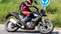 KTM 390 Adventure: cerchi a raggi da 21 avanti e 18 dietro