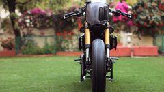 KTM 390 Duke di Vijay Singh e della Rajputana Customs: la vista frontale