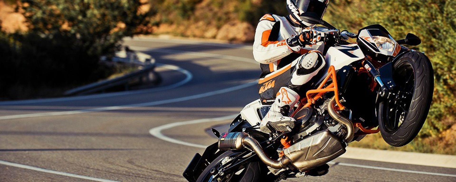 KTM 690 Duke R, nuove foto