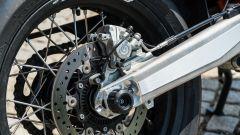 KTM 690 SMC R 2019: il freno posteriore Brembo