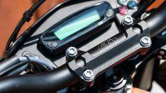 KTM 690 SMC R 2019: la strumentazione digitale mostra poche informazioni