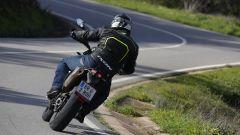 KTM 690 SMC R 2019: torna il motard austriaco. Prova su strada - Immagine: 5