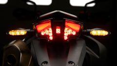 KTM 690 SMC R 2019: torna il motard austriaco. Prova su strada - Immagine: 13