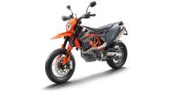 KTM 690 SMC R 2021: colorazione arancio-grigio anche per la motard