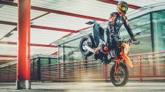 KTM 690 SMC R 2021: lo stoppie sarà più facile con la nuova pinza freno Brembo