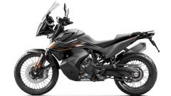 KTM 890 Adventure 2021: la a sella è regolabile in altezza tra 850 e 830 mm