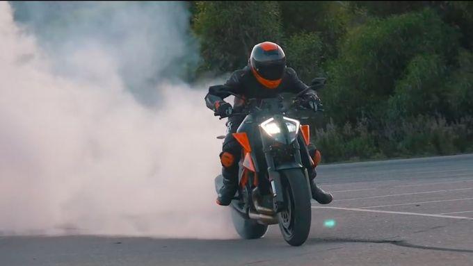 KTM Super Duke RR 2021: ancora più esagerata della R