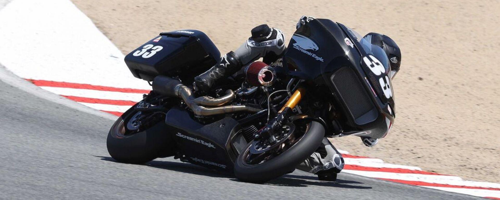 Kyle Wyman in sella alla Harley-Davidson Road Glide Special: i campioni di King of the Baggers 2021