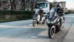 Sym Maxsym TL VS Kymco AK 550: sfida al re dei maxi scooter sportivi - Immagine: 3