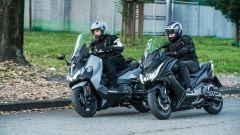 Sym Maxsym TL VS Kymco AK 550: sfida al re dei maxi scooter sportivi - Immagine: 4