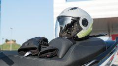 Sym Maxsym TL VS Kymco AK 550: sfida al re dei maxi scooter sportivi - Immagine: 25