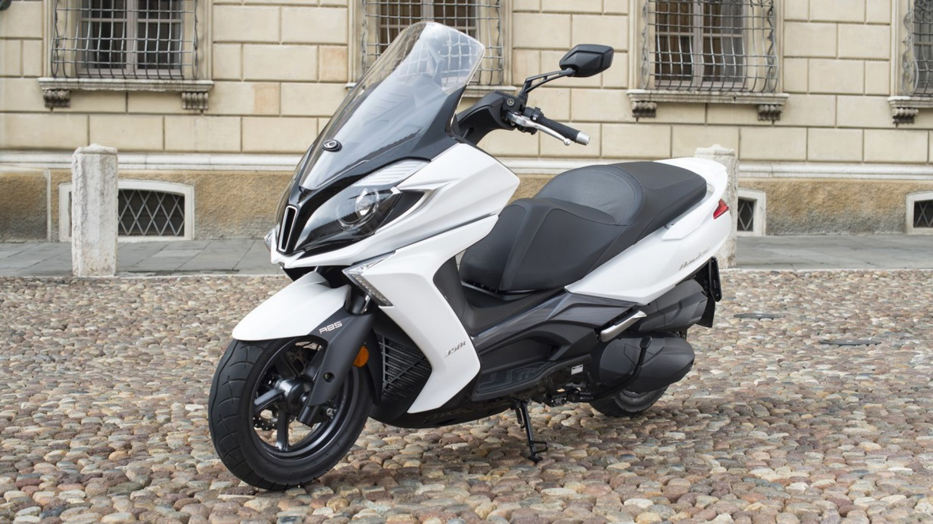novit u00e0 scooter  kymco downtown 350i abs 2017  arriva l