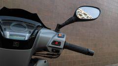 Kymco People S 300 2019: comandi del blocchetto elettrico destro