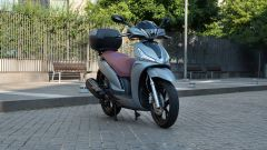 Kymco People S 300, vista 3/4 anteriore