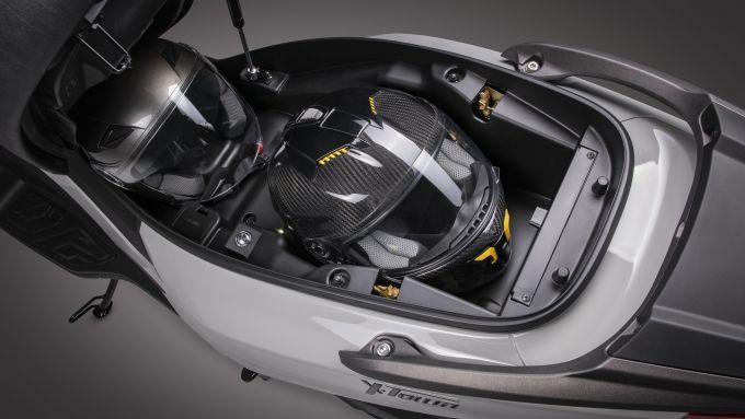 Kymco X-Town 300i ABS 2021: il sottosella