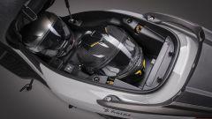 Kymco X-Town 300i ABS 2021: il vano sottosella