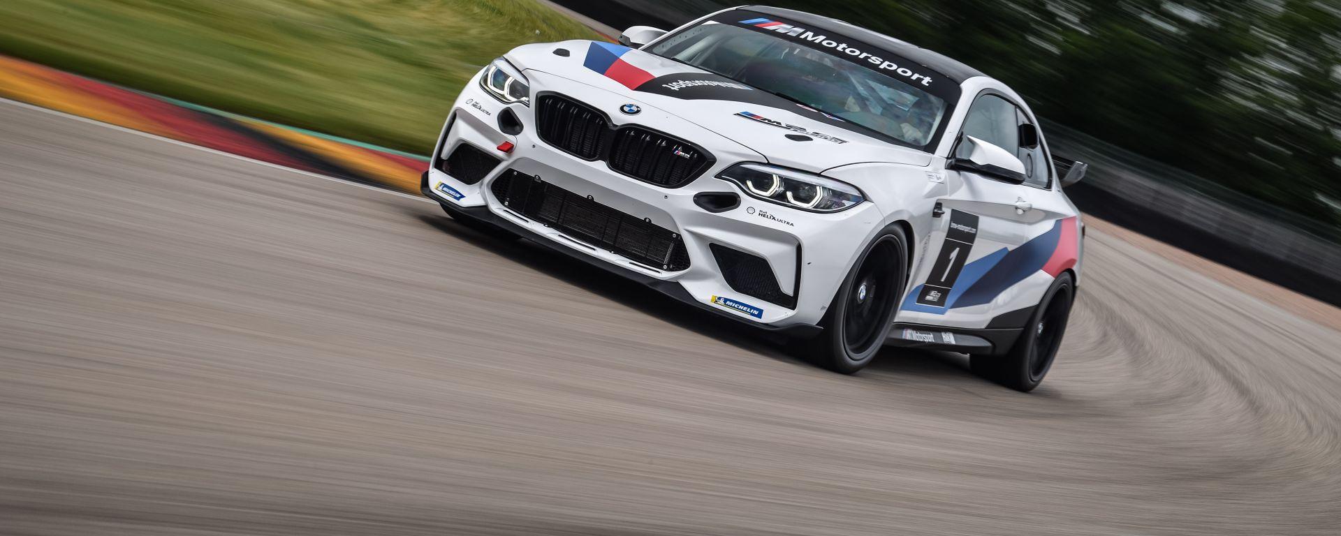 La Bmw M2 CS in versione Racing Cup in pista