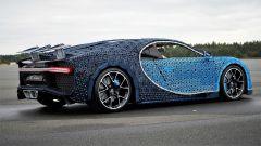 La Bugatti Chiron di Lego: l'alettone è robotizzato