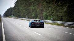 La Bugatti Chiron di Lego lanciata sul rettilineo del centro prove di Ehra Lessien in Germania