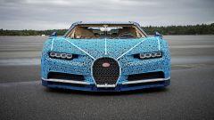 La Bugatti Chiron di Lego: vista frontale