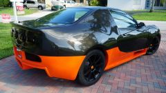 La Bugatti Veyron-Honda Civic frontalmente assomiglia parecchio alla hypercar, ma di lato...