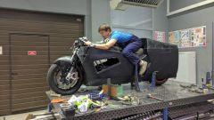 La carena in fibra di vetro della EMP Mig X, la moto elettrica creata dagli studenti del Politecnico di Mosca