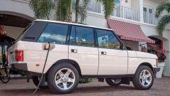 Restomod: la Range Rover elettrica con parti Tesla