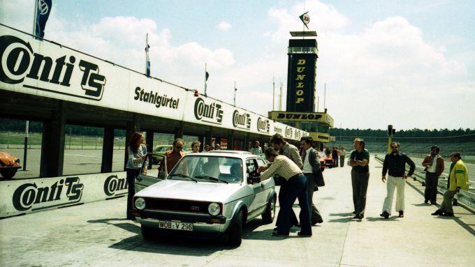 La conferenza stampa di presentazione di Golf GTI I nel 1976