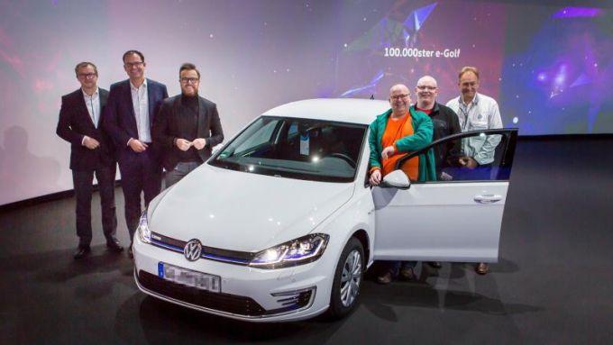 La consegna della Volkswagen e-Golf numero 100.000