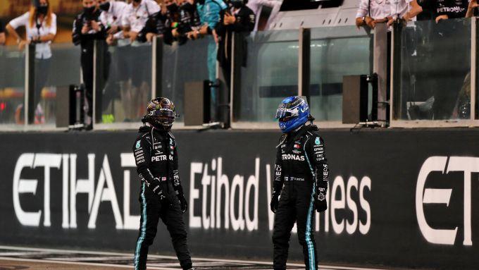 La coppia piloti 2021 Mercedes: Lewis Hamilton e Valtteri Bottas