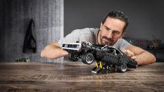 La Dom's Dodge Charger con il cavalletto