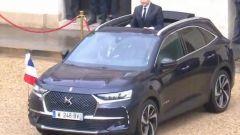 La DS7 Crossback di Emmanuel Macron ha un tetto apribile custom per permettergli di salutare la follla