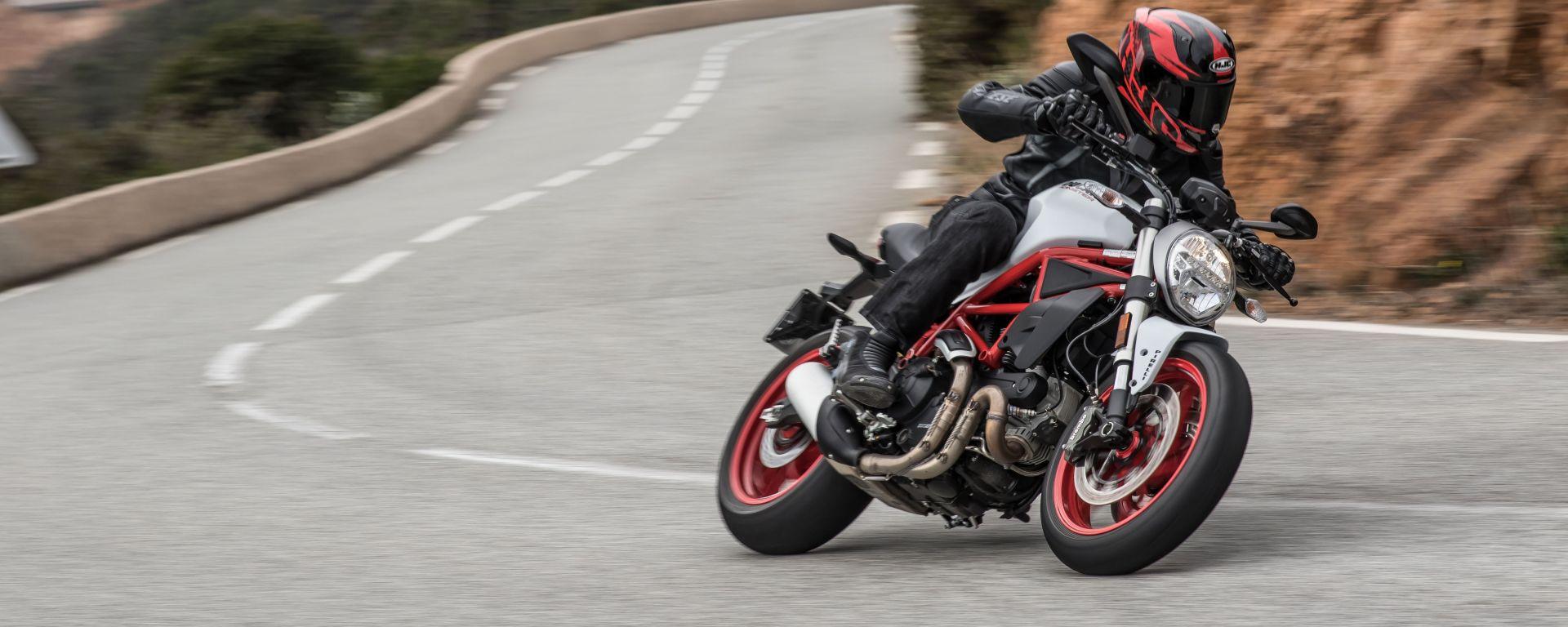 La Ducati Monster 797 è agile nel misto stretto