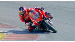 La Ducati Superleggera V4 in pista a Portimão