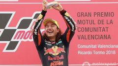 La favola di Oncu: vince al debutto in Moto3 a 15 anni