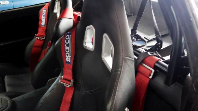 La Ferrari 550 Maranello di Eddie Van Halen, gli interni personalizzati con i sedili Sparco