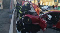 La Ferrari di Marchetti, il liquido di raffreddamento ha allagato la strada