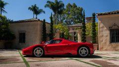 La Ferrari Enzo vista di lato