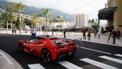 La Ferrari SF90 con la telecamera montata